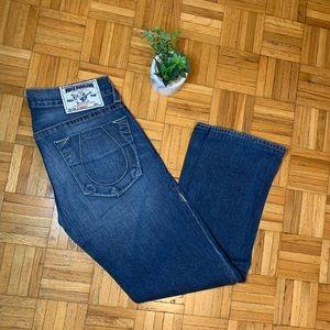 True Religion Horseshoe Pocket Straight Medium Wash 31 Waist Jeans